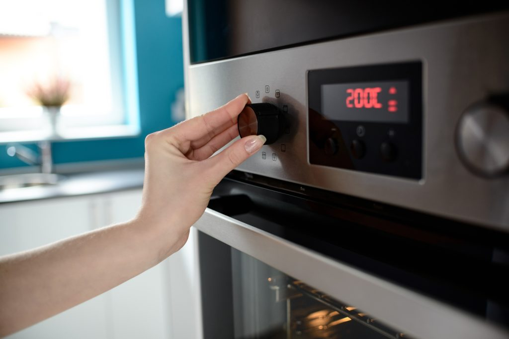 self cleaning ovens work at high temperatures