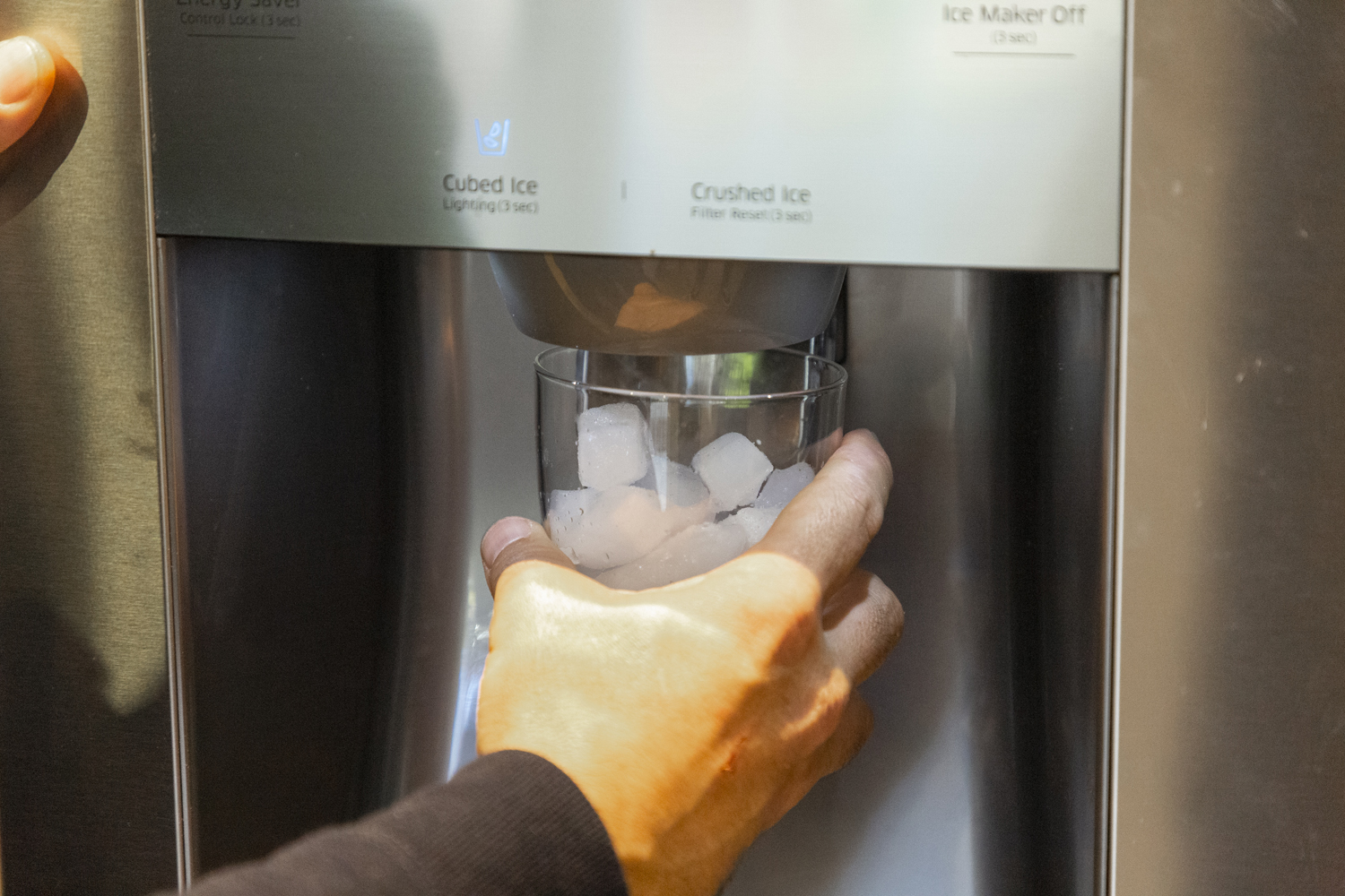 ice cubes in ice maker